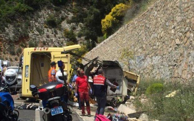 Онлайн в Facebook: водитель автобуса убил себя и еще восемь человек