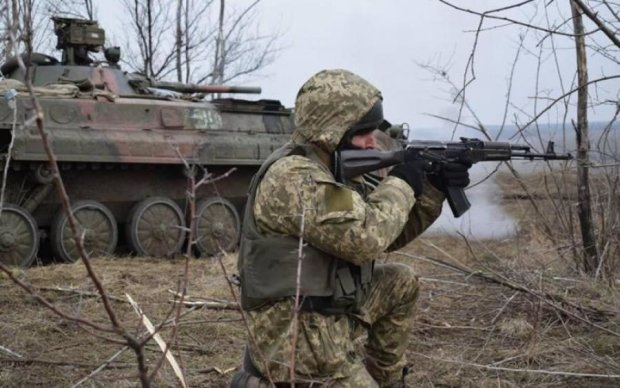 Проросійські бойовики б'ють з мінометів по всій лінії фронту