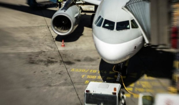 В аэропорту Хьюстона пассажиров эвакуировали из дымящегося самолета