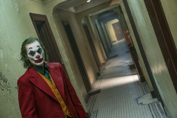 """Американская армия готовится к массовым терактам: премьера фильма """"Джокер"""" может быть роковой для США"""