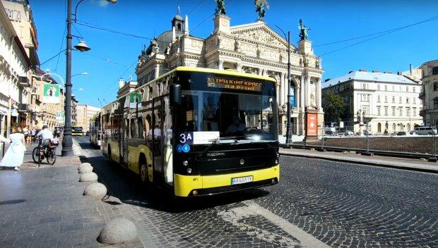 Транспорт Львова, скріншот з відео