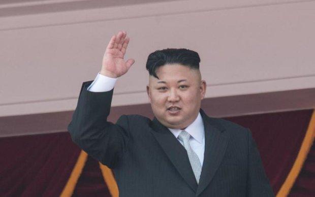 Запуск ракеты: безумный Ким приказал разработать мощнейшее оружие