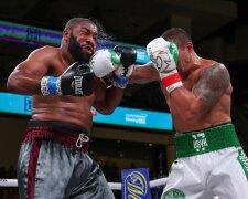 Усик досрочно победил Уизерспуна в дебютном бою в хэвивейте