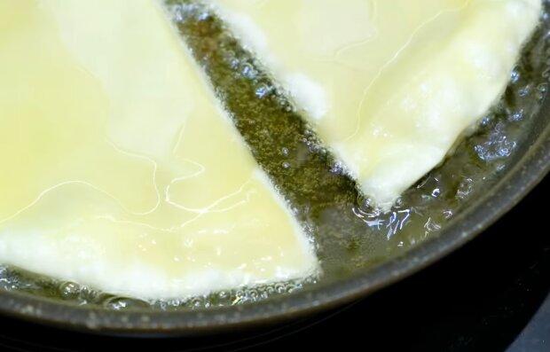 Приготування чебуреків, скріншот: YouTube
