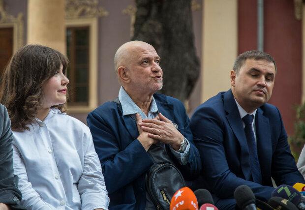 """Ройтбурд іде до суду, замішана сім'я одеського губернатора: хто """"підставить плече"""" звільненому директору"""