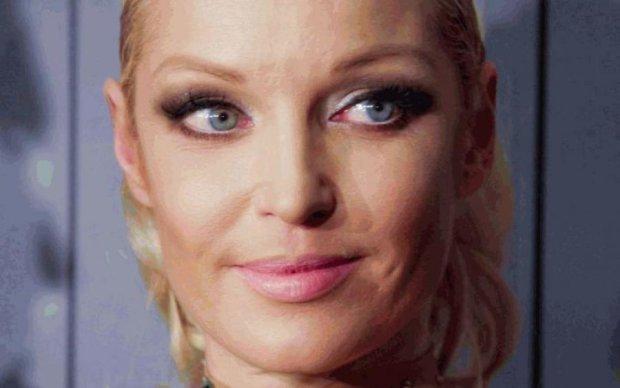 Гола Волочкова невдало замалювала обвислі груди: фото для хоробрих
