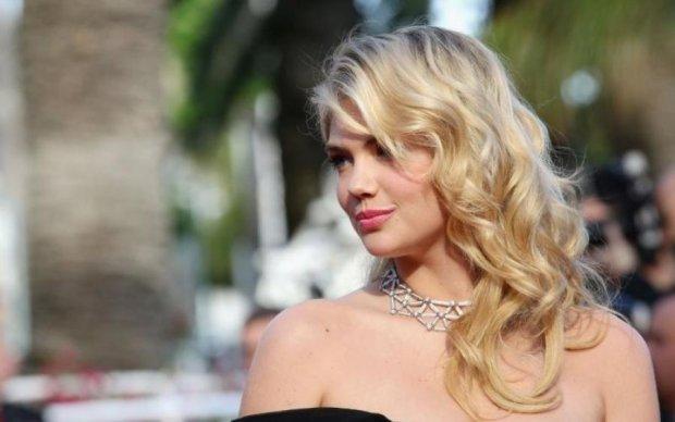 Самая красивая женщина мира шокировала фанатов внезапной беременностью