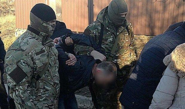 Поймали очередного взяточника в Донецкой области