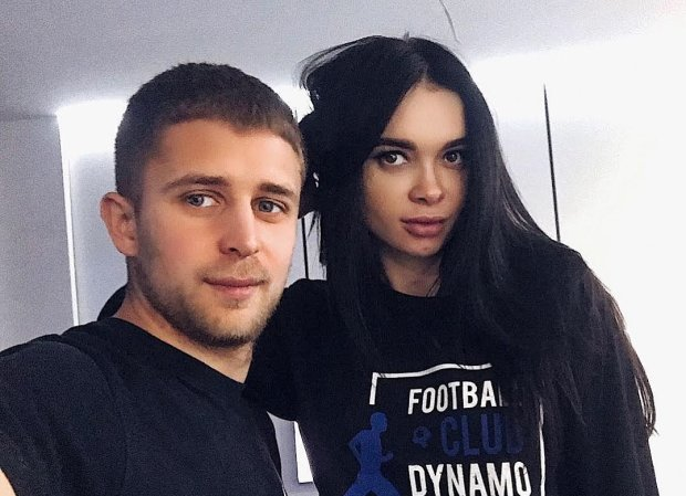 Жена форварда сборной Украины отдыхает на Бали: попа потрескалась