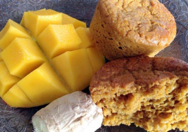 Цікавий рецепт запечених манго з імбирним сиропом