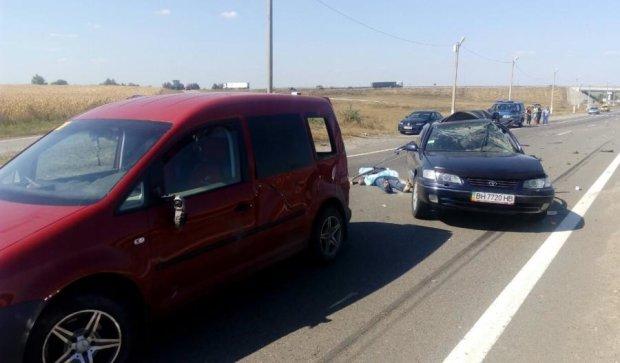 В жуткой аварии на одесской трассе погибли двое людей