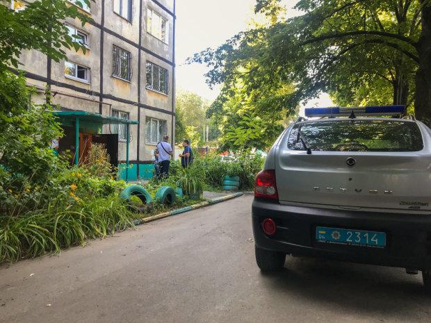 У Дніпрі житловий будинок начинили гранатами, люди в паніці стрибали з вікон: кадри масової евакуації
