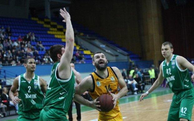 Будівельник зрівняв рахунок у золотій серії української Суперліги