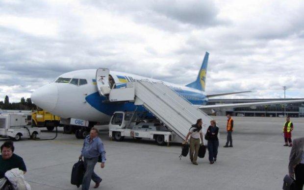 """""""Самолет улетел без нас"""": как МАУ """"кидает"""" украинских пассажиров"""