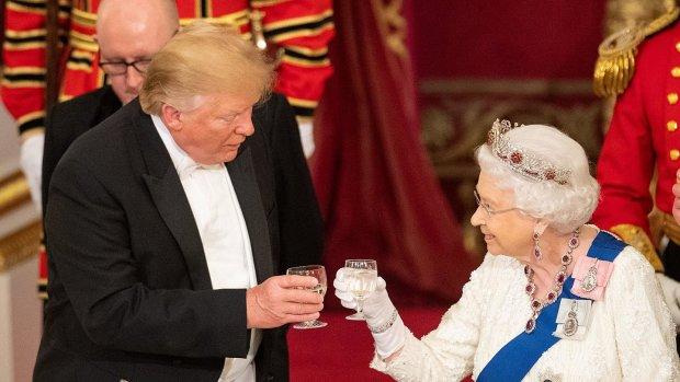 Трамп і Королева