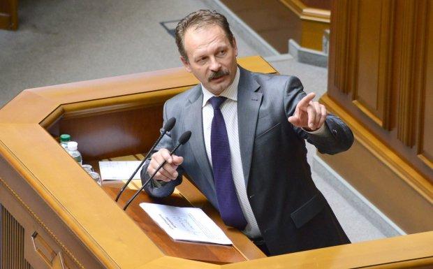 """Закрытие """"112 Украина"""": Барна опозорился в прямом эфире """"раздвоением личности"""""""