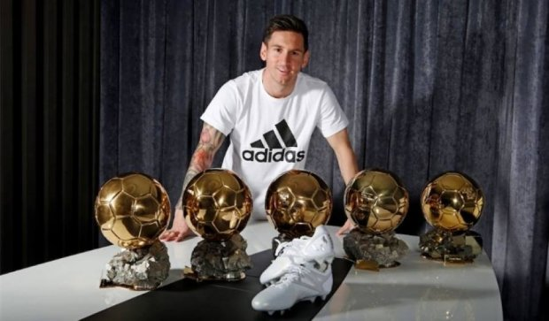 Adidas создал эксклюзивные бутсы для Месси по случаю пятого Золотого мяча (фото)