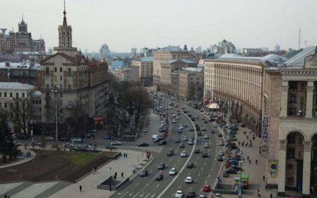 Центр Киева остановился, дороги заблокированы, на работу - только пешком: видео