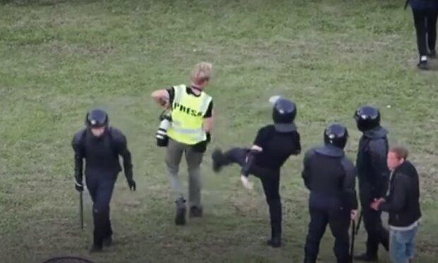 Белорусские силовики, скриншот: Youtube