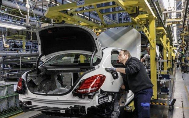 Mercedes обнаружил опасную неполадку, отзывают миллионы авто