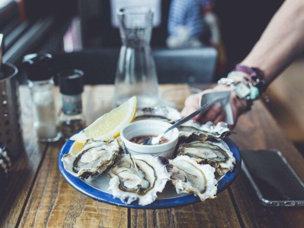 О морских деликатесах можно забыть? В устрицах обнаружили опасные токсины, виновато человечество