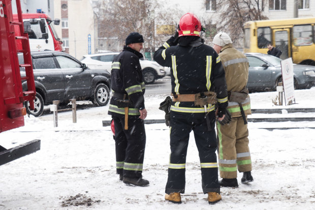 Вибух у ТЦ Києва: постраждалий знаходиться на межі життя і смерті