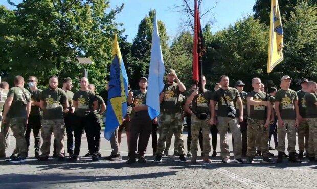 Ветераны поздравили днепрян с Днем Независимости и почтили погибших героев