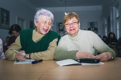 Пенсіонери, фото: tvoemisto.tv