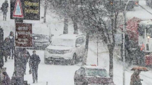 """Киевлянам рассказали, когда ждать первого снега: """"Считанные дни"""""""