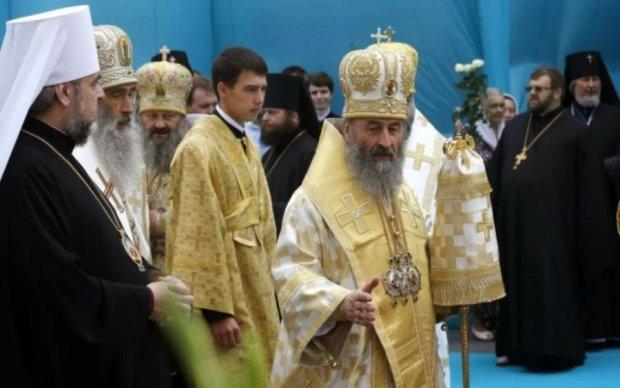 Московский поп отжал украинскую церковь