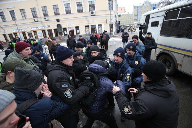 Затримання активістів на Подолі: Геращенко різко прокоментувала дії правоохоронців