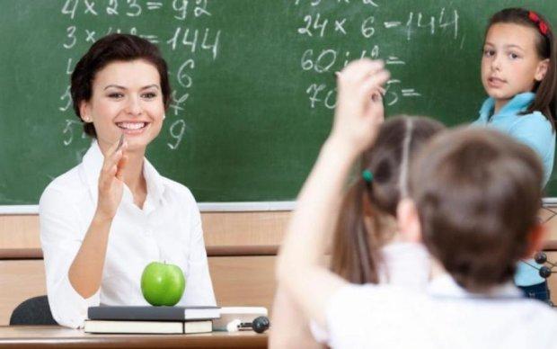 В украинских школах введут контрактную систему: что это значит