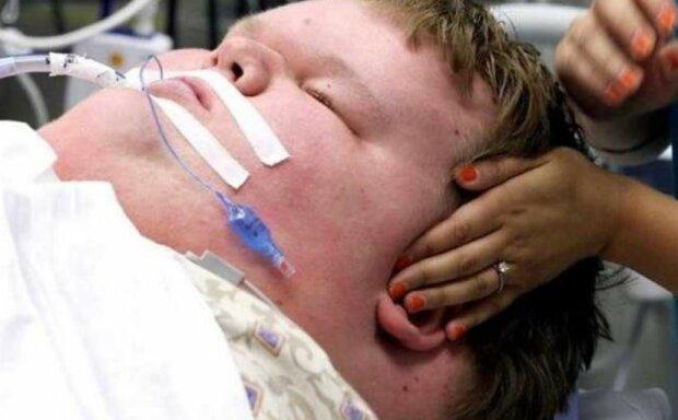 Хлопець важив 321 кілограм у 15 років, а тепер його не впізнати — лікарі змогли зробити диво