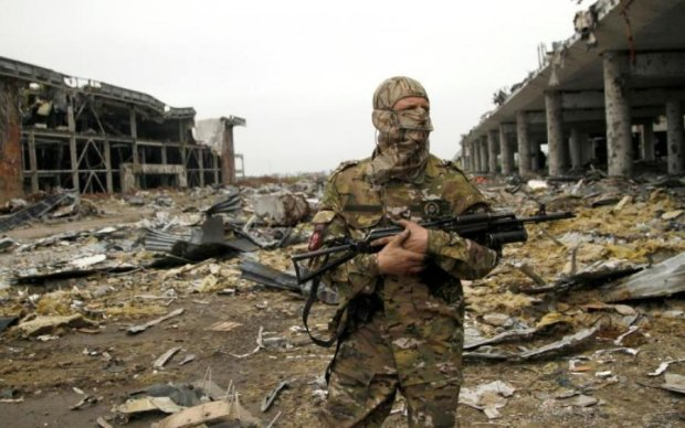 Боевики мародерствуют и расстреливают мирных жителей