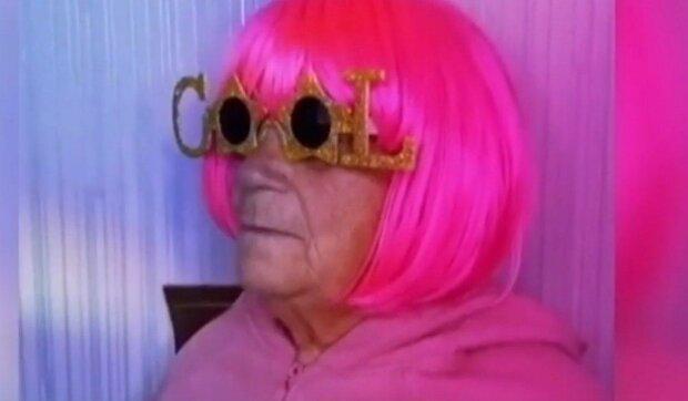 Баба Олена з TikTok, скріншот з відео