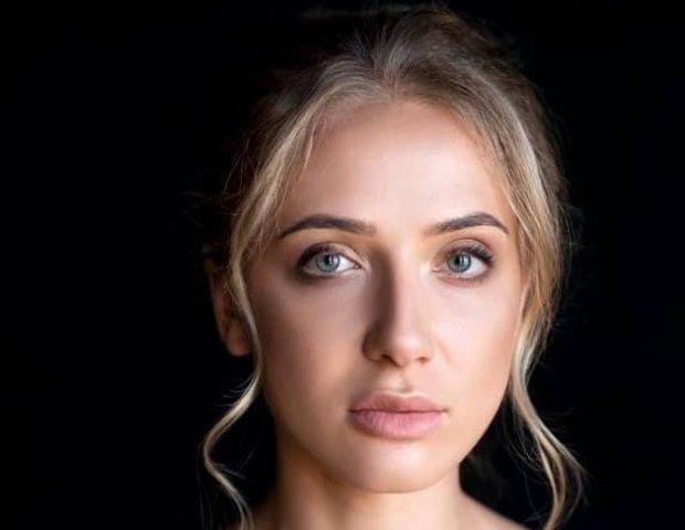 """В """"Слугу народа"""" Зеленского просочилась таинственная красотка: что известно про блондинку под №73"""