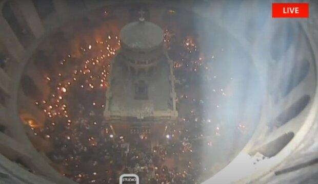 Благодатный огонь, фото: скриншот видео