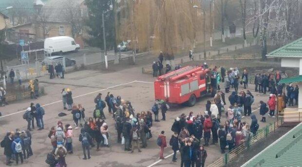 Школьники, фото - Национальная полиция