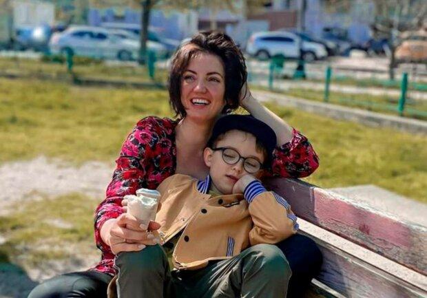 Ольга Цибульская с сыном, фото: 24tv.ua