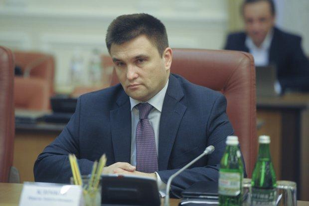 """Клімкін розповів про скандальну """"бійку"""" з людьми Путіна: """"Кинув через стіл"""""""