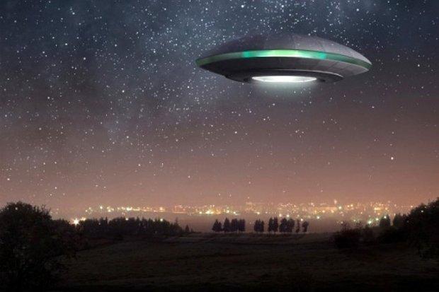 Вдарило блискавкою: у мережі з'явилися загадкові кадри аварії НЛО