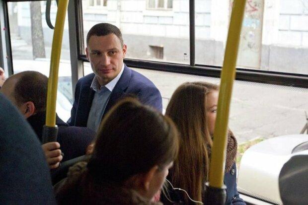 """""""Смерть маршруткам"""" - киевляне умоляют Кличко четыре года лишь об одном"""