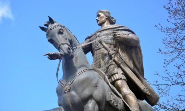 Что вы знаете о первом короле Киевской Руси?