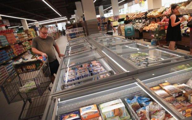 Маньяк пообещал отравить всю еду в супермаркетах