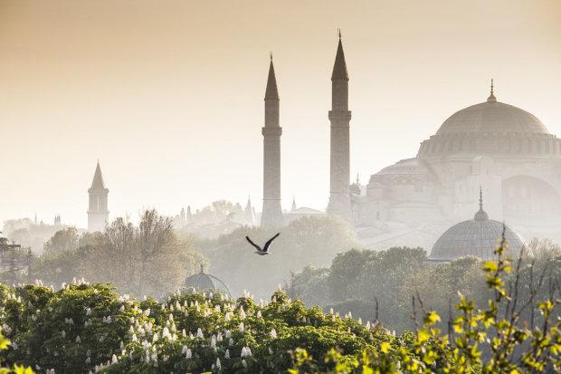 Стамбул - місто контрастів, де зливається Європа і Азія