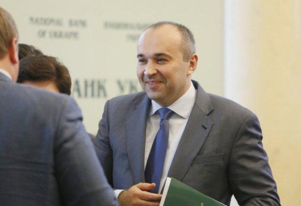 Агітатори Порошенко на Чернігівщині задіяні у підкупі виборців на користь кандидата у депутати ВР – журналіст