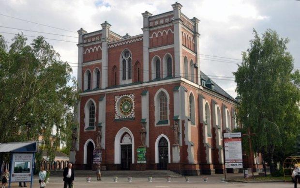 Ровенским католикам посоветовали отправлять жалобы в Россию