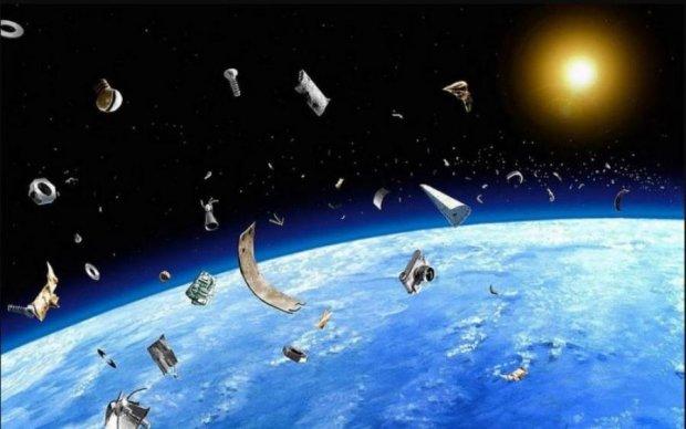 Гигантский НЛО напугал астронавтов МКС: видео