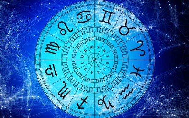 Гороскоп на 13 февраля для всех знаков Зодиака: кто окажется виноват в чужих грехах