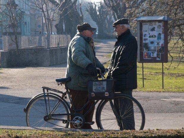 В Виннице кассирша целый год оббирала пенсионеров: ни капли совести